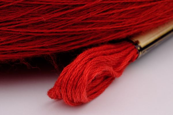 Шерстяные нитки для вышивки крестом купить